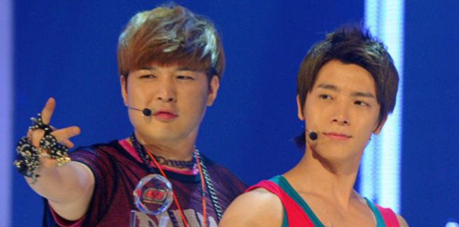 Shindong e Donghae dei Super Junior si riabbracciano al militare