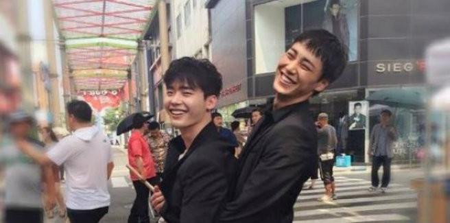 Lee Jong Suk e Lee Tae Hwan condividono foto del dietro le quinte del loro nuovo drama