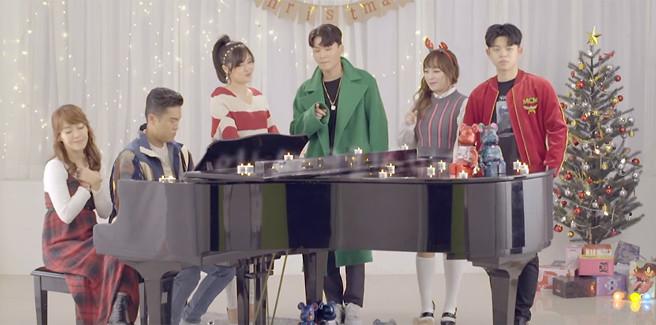 Gli artisti della Brand New Music uniti per Natale