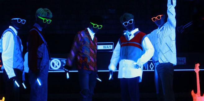 """Foto teaser colorate e retro per """"Tension Up"""" degli IMFACT"""