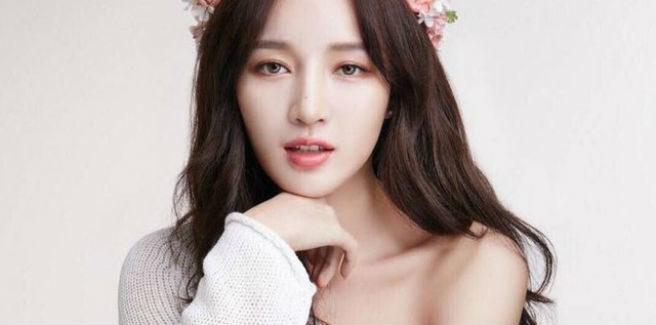 Jia, ex membro delle miss A, in studio di registrazione per le nuove canzoni
