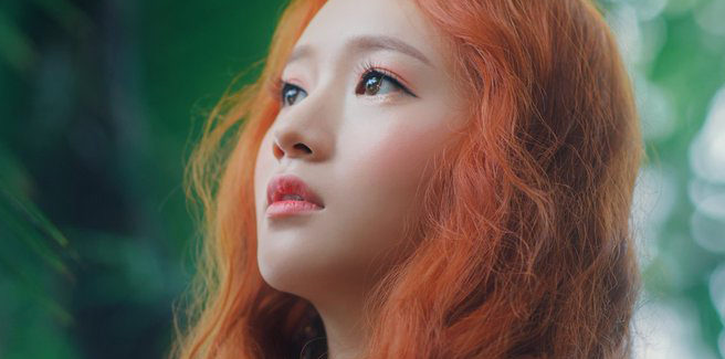 Sojung delle Ladies' Code torna con 'Stay Here'