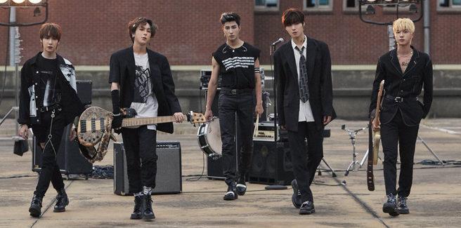 "La band ONEWE torna con ""Regulus"""