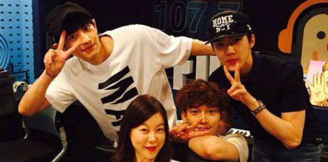 Gli EXO si raccontano a Power Time radio: una vita sotto gli occhi di tutti