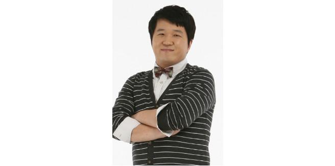"""Jung Hyung Don, Doni di """"Weekly Idol"""", viene ricoverato in ospedale per una polmonite"""