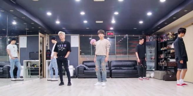 Dance practice per 'Honeymoon' dei B.A.P